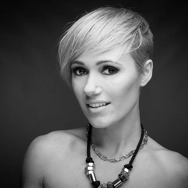 Miss Blondie-DJ e Produtora